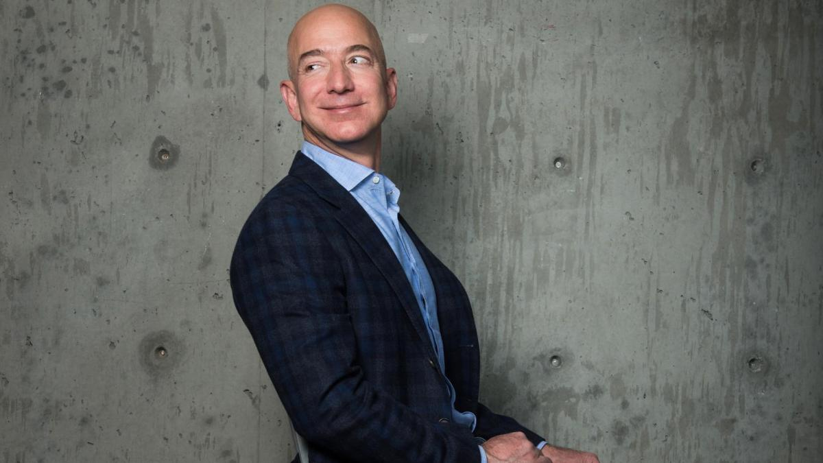 Amazon-CEO-Jeff-Bezos-photos-portraits-8